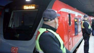 Mitarbeiter der DB-Sicherheit am Bahnhof Jungfernstieg