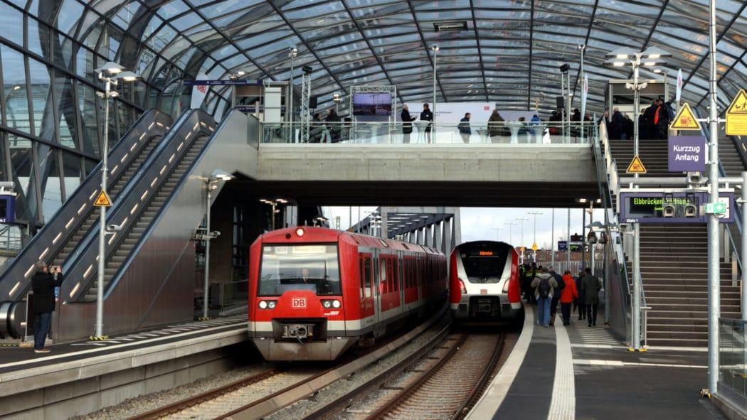 Am Samstag wurde der neue S-Bahnhof Elbbrücken mit einem Sonderzug eröffnet