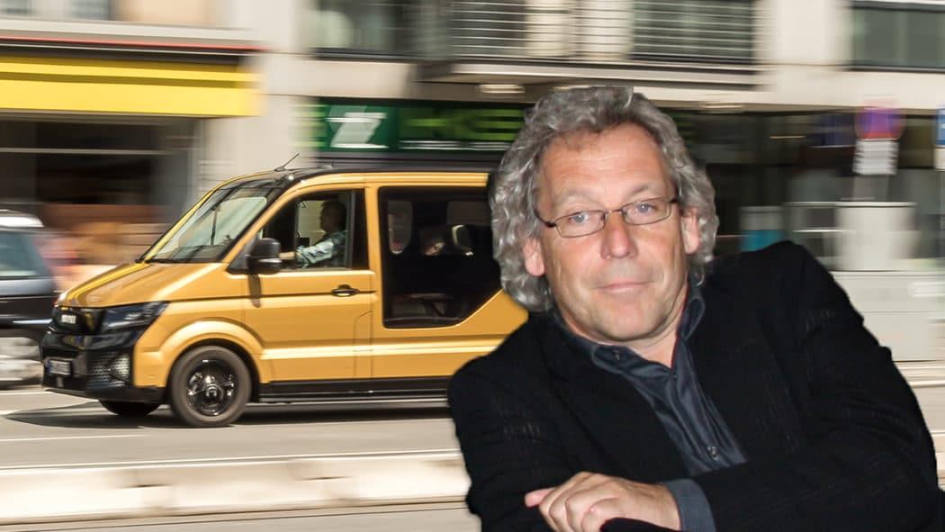 Fotomontage: Ein Moia-Shuttle in Hamburg und Prof. Dr. Andreas Knie