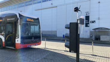 Die neue Chiptechnik können besonders volle oder verspätete Busse an Ampeln priorisiert werden.