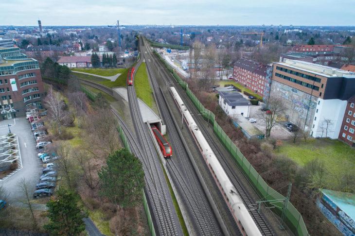 Visualisierung: So soll die neue S4 in Hasselbrook aus dem Hamburger S-Bahnnetz ausfädeln und entlang der Fernbahngleise Richtung Ahrensburg führen
