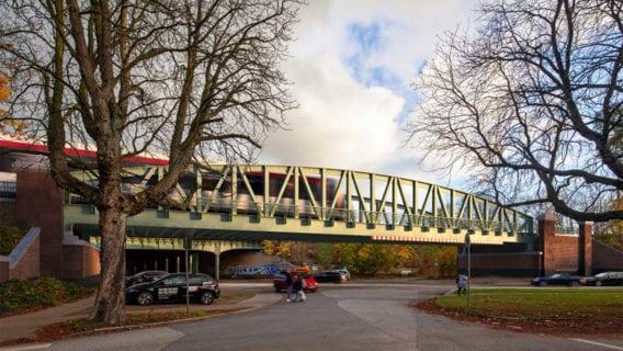 Die Hochbahn will im Jahr 2022 mehrere Brücken an der U1 austauschen, wie hier an der Alsterdorfer Straße in Ohlsdorf. So soll die neue Brücke aussehen.