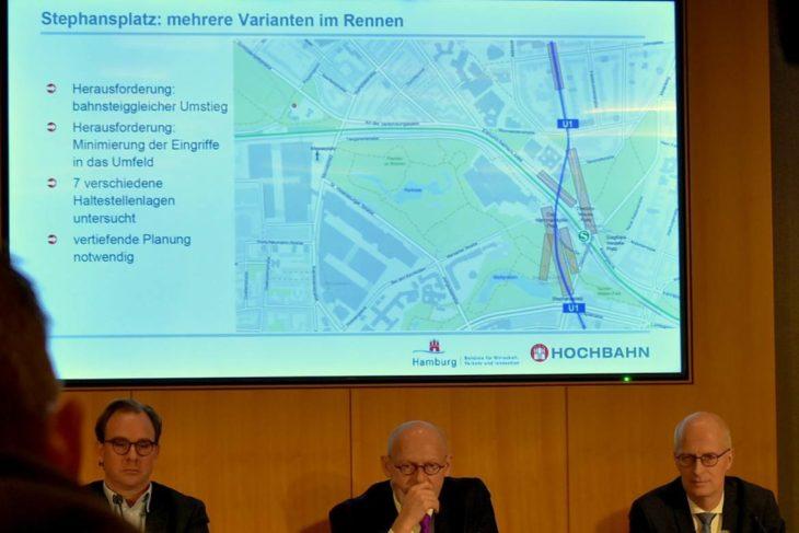 Hochbahn-Chef Henrik Falk, Verkehrssenator Michael Westhagemann und Bürgermeister Peter Tschentscher (v.l.n.r.) bei der Präsentation der Machbarkeitsstudie zur U5 (Mitte)